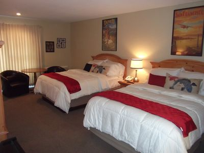 Osage Beach house rental - First guest bedroom, adjoins the master suite
