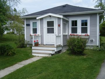 Castine cottage rental - Front of cottage