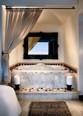 San Jose del Cabo villa photo - Jacuzzi Bathtub in the Master Bedroom at the Cabo Azul Resort