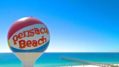 A Southern Oasis In The Heart Of Pensacola Beach (Newly Updated & PET FRIENDLY)