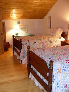 Room 4 has 2 Twin Beds -  Chattanooga Cabin Vacation Rental