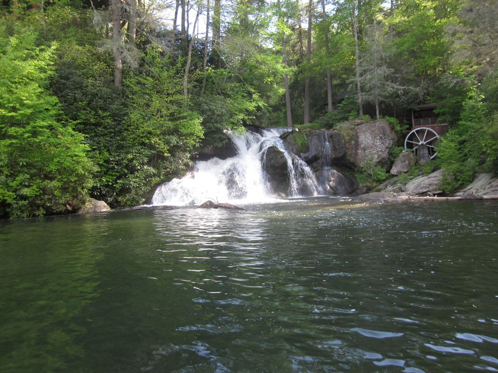 sc waterfalls map with 553177 on Watch in addition Twin Falls furthermore Blue Ridge Mountain Maps as well Sc Bucket List 2017 likewise Kauai Map.