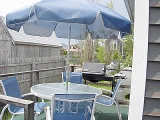 Plum Island cottage photo - Deck w/Weber gas grill