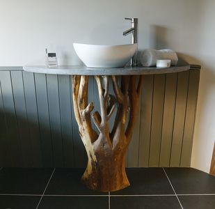 Hand crafted basin stand