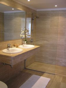 Atlas master ensuite bathroom