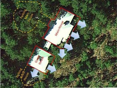 Deer Harbor estate rental - Aerial photo showing privacy & walkway bridges between main house to guest house