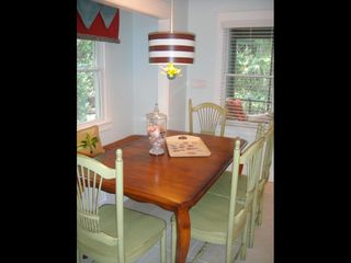 Bald Head Island cottage photo - Comfortable dining area