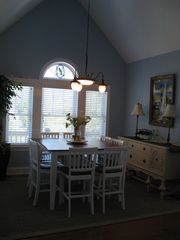 Emerald Isle house photo - .Dining area