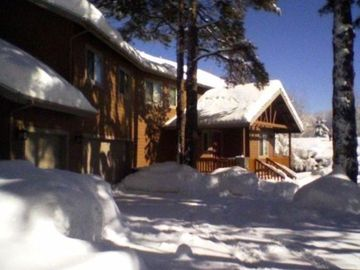Flagstaff house rental - Front of House, winter snow