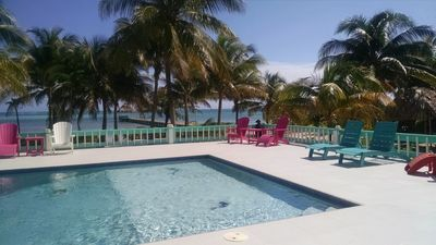 Enjoy your own private first class pool, with stools/diving/sitting area!!