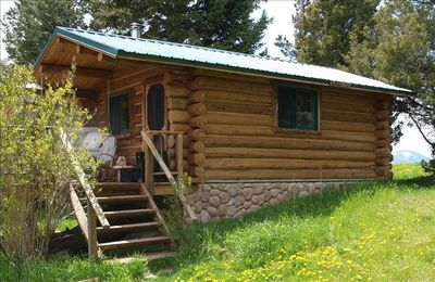 The upper cabin sits at the top of the property and has wonderful mountain views