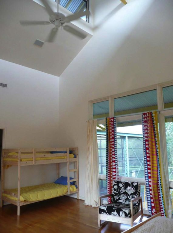 South bedroom + children's bunk beds