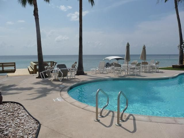 Puesta del sol condo 110 on the bay w homeaway for South padre island fishing pier