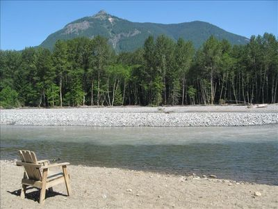 Summer on the Cowlitz River - enjoy the view, fresh air and tranquility