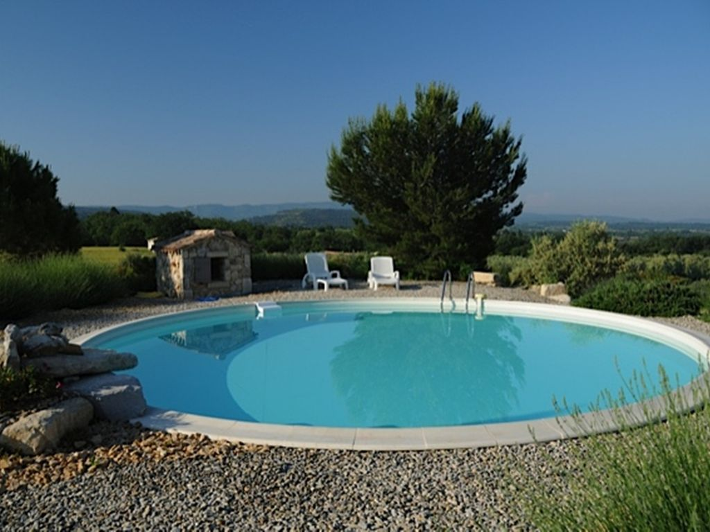 Cabanon en provence mazan location de vacances g te for Club piscine cabanon