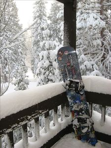 snowboard at rest
