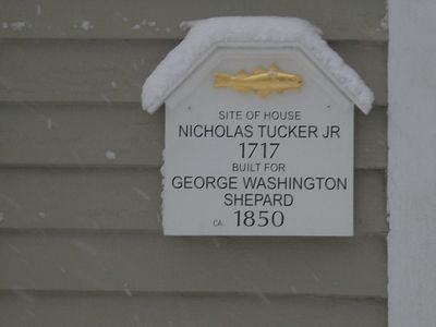 Historic marker on front of house