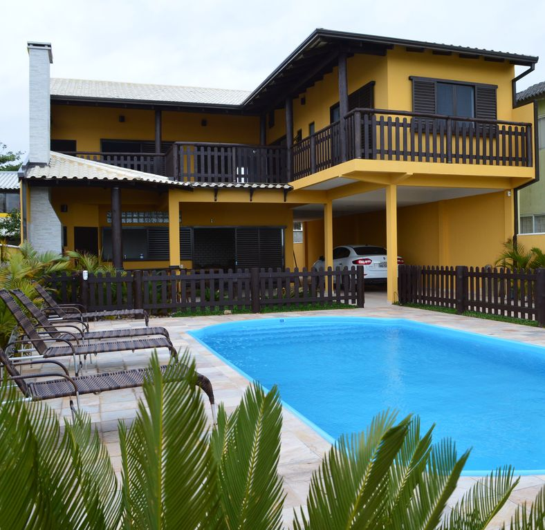 FRONT TO THE SEA, SWIMMING POOL, 5 SUITES WITH AIR COND., 25 PEOPLE, ADAPTED CADEIRANTS