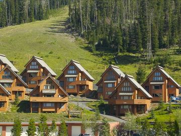 The Arrowhead Chalets -- at the base of Silver Knife (blue run)