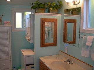 Sonoma cottage photo - Bathroom has washer/dryer for your convenience!