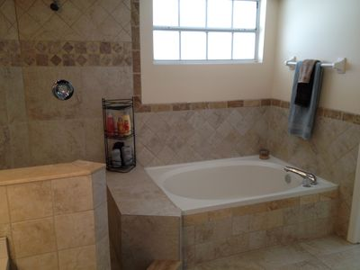 Cape Coral house rental - Relax in the soaking tub and let the stress fade away.....