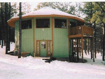 Flagstaff cabin rental - A NAVAJO SAID ' THIS IS ONE FANCY HOGAN'