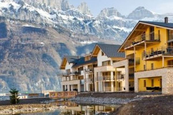Luxury apartment with bubble bath, solarium and sauna located on Resort Walensee