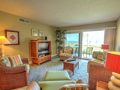 Incredible beach views, hard to find on ground floor!