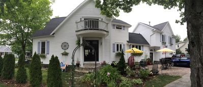 Steps To The Beach & 2 Blocks To Downtown Frankfort - Sleeps 10-11