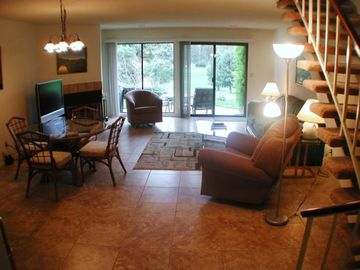 Nipomo townhome rental - Spacious living roon