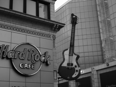 Seconds from Hard Rock Cafe and Dozens of other Restaurants
