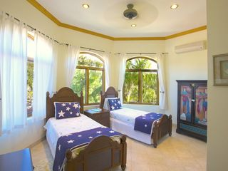 Providenciales - Provo villa photo - Guest Bedroom with two Twin Beds