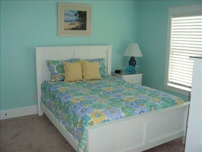 Kure Beach house rental - Queen Bed with Jack and Jill Bath