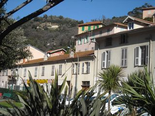 Menton house photo - the house facing a mediteranean garden