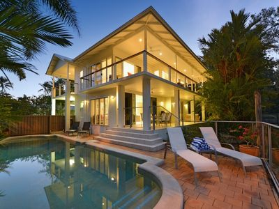 4 Bedroom House.. with lovely beach views rarely found in Port Douglas