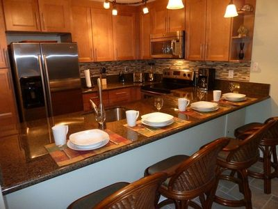 New - Maple Cabinets, Granite Countertops, Seating for 4, Well equipped