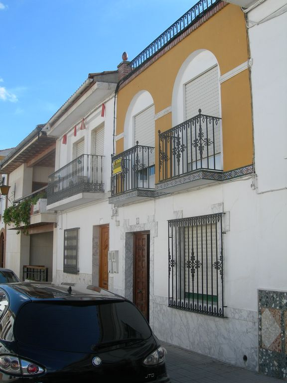 Townhouse along the Guadalquivir