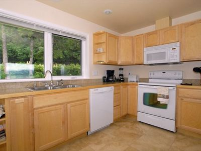 AKNS Suite fully equiped kitchen.