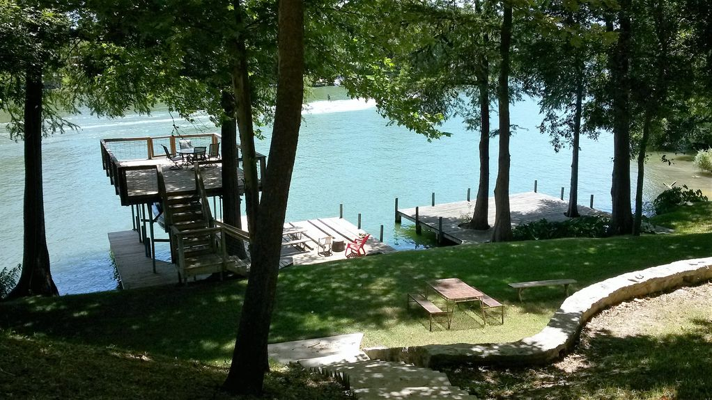 Beautiful Home On Lake Mcqueeney Great For Vrbo