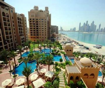 1 Bedroom Apartment in Fairmont South with Views of Dubai Skyline