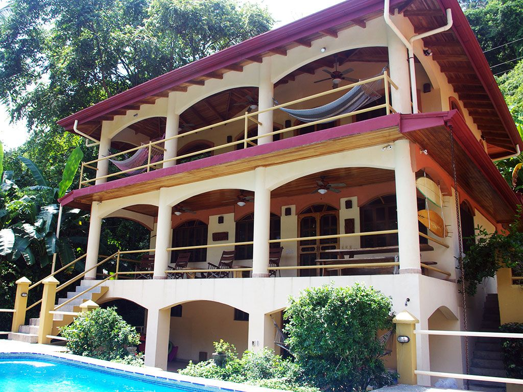 Oceanfront home and guest cottage in vrbo for Beach house rentals costa rica