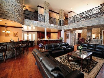 Awesome Great Room!!! You can Entertain everyone here!!!