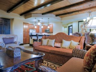 Lake Buena Vista condo photo - Presidential Living Area