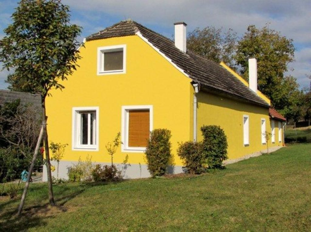 Country house for sport or relaxing holiday with golfing, hiking and cycling