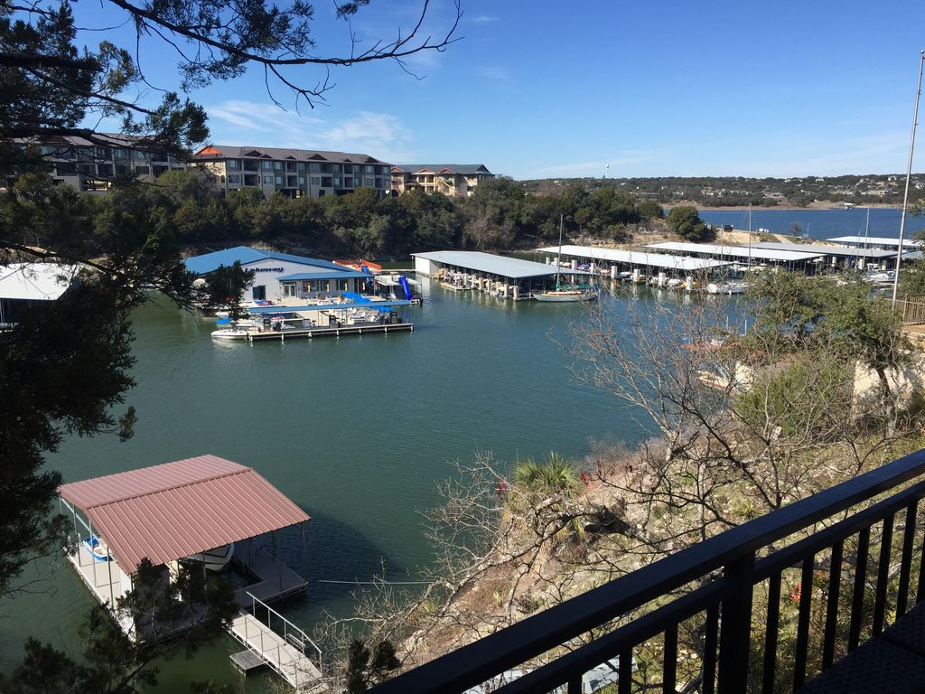 Lakeway Waterfront, Soutside Lake Travis, Private Dock & Hot Tub