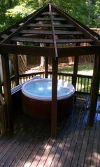 Gainesville house photo - Hot tub for up to 6 people