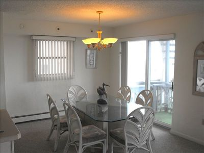 Boardwalk condo rental - Typical Dining area