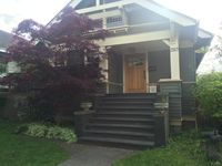 Summer In Seattle!  Great Location & Family Friendly Charming Craftsman Bungalow