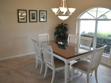 Formal dining area to seat 6