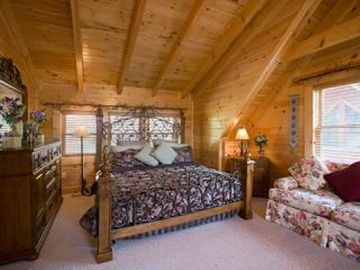 .Master Bedroom with King size bed
